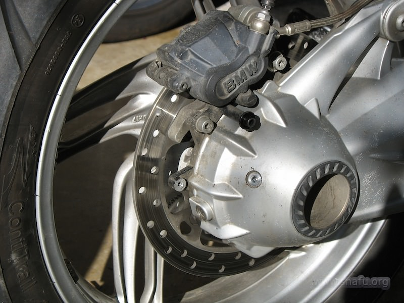 Brake And Rotor Replacement Cost >> Replacing the rear brake rotor (part 1)